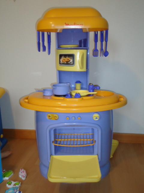 cuisine enfant berchet. Black Bedroom Furniture Sets. Home Design Ideas